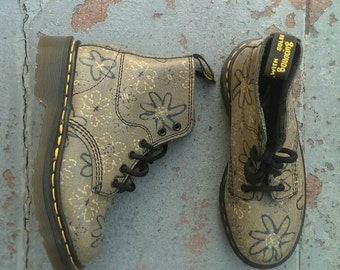 Vintage NOVELTY Floral Doc Martens UK 2/ US 4