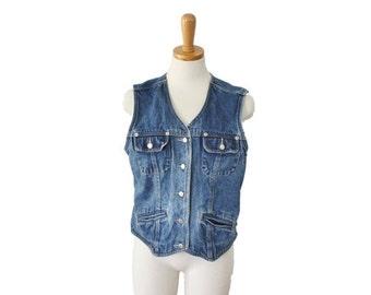 CIJ 40% off sale // Vintage 90s St Johns Bay Denim Collection Shirt Vest - Sleeveless Crop Fit - Women M