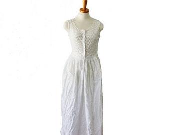 30% off sale // Vintage 50s Does Edwardian White Eyelet Nightgown Dress - Women S, sleeveless