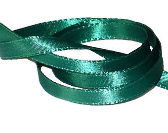 "1/4"" Kelly Green Satin Ribbon, Double Face Satin Ribbon, 1960's Vintage Sewing Supply"