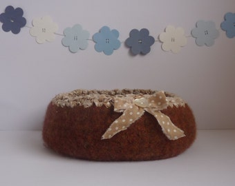 FELTED 'FUSSPOT' bowl /tray  ' Chestnuts '  ( with ditsy ,polka-dot fabric trim and bow  ). UK seller ...ready to ship...