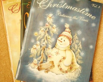 Lot of Three Decorating Painting Santa Claus Snowmen  Gingerbread Christmas Books Plus Two (2) Paint Works Magizines