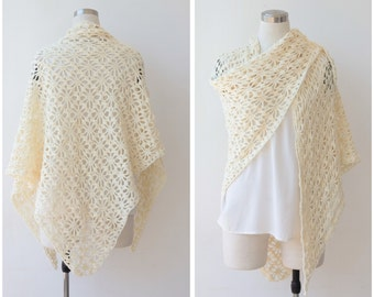 1970s Cream Wool Shawl, Hand Knitted Boho Shawl, Hippie Bohemian Wrap Shawl