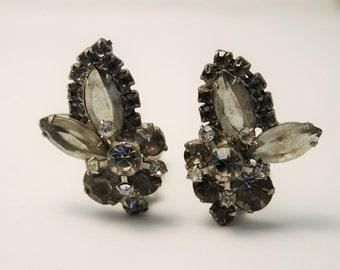 Vintage earrings. Grey crystal earrings. Clip on earrings. Gray earrings