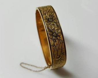 Beautiful Floral Etched with Enamel  10kt Gold Filled Bracelet Hinged Cuff