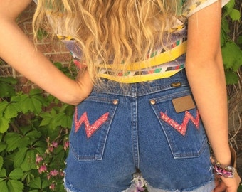 LOVE Sale vintage Wrangler shorts,high waisted SHORTS, size XS/S,festival shorts, altered denim shorts, distressed denim shorts, cut off sho
