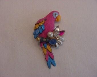 Vintage Rhinestone & Faux Pearl Parrot Brooch   15 - 21
