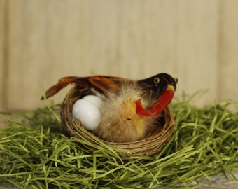 Spring Bird Nest with Eggs and Baby Bird, Vintage Home Decor, Baby Robin, Easter, Bird in Nest