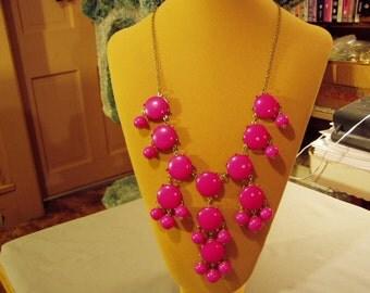 Vintage Deep Pink Plastic Cabochon & Dangling Bead Fringe Bib Style Necklace  8707