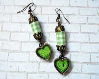 Apple Green and White Gingham Heart Earrings (2817)