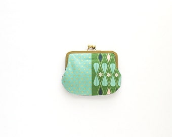 small floral coin purse. gift idea. gift for her. green