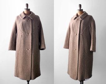 1960's brown coat. boucle wool. 60 tweed coat. tan. large. collar. 60's peacoat. xl