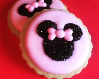 Mickey and Minnie Silhouettes- Royal Icing Cupcake Topper (12)