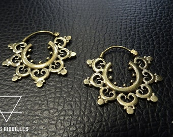 boucles d 'oreille tribal en laiton # ethnic brass earrings # tribal hoop 2- 686