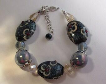 Flowers in Blue Beads Bracelet