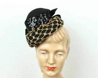 vintage 1940s tilt hat in black & gold • new york creation