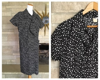 Vintage 1960s Day Dress * Black & White Polka Dots * Front Zip Frock * Women's Size Extra Large