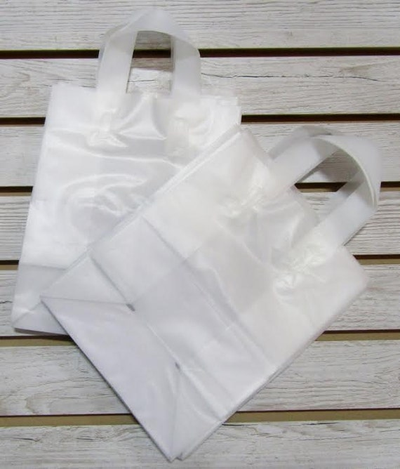 20 Pack Frosted Soft Loop Handle Bags (8 x 10 in.) // BOUTIQUE CHIC //