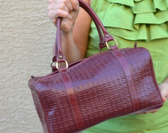 Pierre Cardin womens handbag vintage leather purse doctors bag Pierre Cardin Paris New York fashion bag