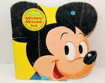 migra mouse book report To write a book report, start by introducing the author and the name of the book and then briefly summarizing the story next, discuss the main themes and point out what you think the author is trying to suggest to the reader.