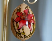 Wood burned painted gourd ornament red day lily dried egg gourd craft gourd pyrography pyro-engraved gourd pyrographic art