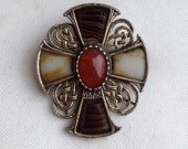Vintage 1950s MIRACLE Faux Agate Celtic Cross Brooch Pendant