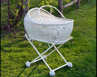 Vintage Wicker Bassinet / Vintage Crib / Shabby Chic Baby Decor / Baby Photography Prop