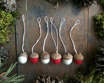 Felted wool acorn ornaments, set of 6, Red and Natural White, miniature Christmas ornaments, red and white Christmas decor, mini felt acorns