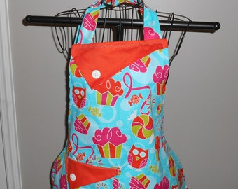 Cupcakes and Owls Women's Apron