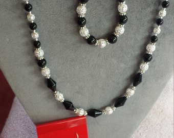 BLACK ONYX Necklace, Bracelet and Earrings carefully design with silver fillegre