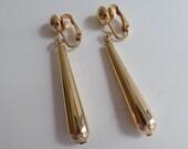 Vintage Goldtone Drop Earrings, Gold Earrings, Clip on Earrings, Vintage earrings, art deco drop earrings, fashion jewelry
