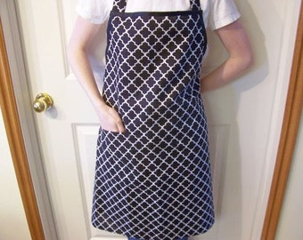 Full Apron for Women in a Black Fabric with Pocket and Bias Tape Ties - Butcher Apron, Woman's Apron, Simple Apron