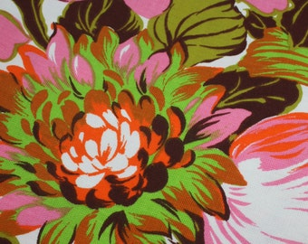 """Vintage Tablecloth Round Fringed Tablecloth Floral Pink Green Orange Fairfield Mid Century Retro Cottage Chic Patio Decor 68"""" 60s 70s"""