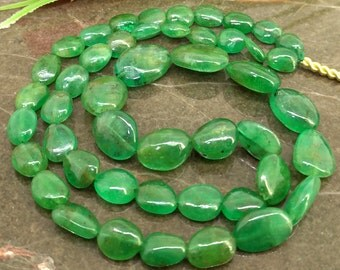 Natural Emerald 6-12mm Smooth Nuggets Gemstone Beads / Approx 47 pieces on 14 Inch long strand / JBC-ET-BENE049
