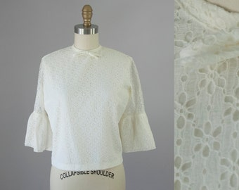 1960s Vintage Cream Floral Lace Flare Sleeve Bow Tie Blouse (S)
