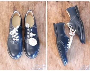 vintage 50s ladies saddle shoes - deadstock with tags / Navy Blue - 1950s sock hop / marked 11M