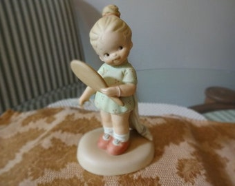 """Lucie Attwell """"Now I'm The Fairest of Them All"""" Vintage Figurine"""