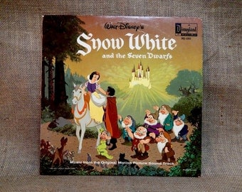 Walt Disney'S - SNOW WHITE and the Seven DWARFs - 1980 Vintage Gatefold Record Album...w/12 Page Full Color Illustrated Read-Along Booklet