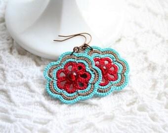 Blue Red Flower Motif Dangle Tatting Fiber Earring