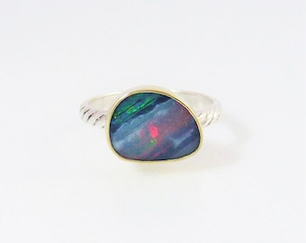 Veiled Opal ring, 18K Gold setting to an iridescent Multicolor Opal doublet, Australian Opal ring, Sterling Silver swirly band