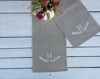Monogrammed linen table runner, personalized runner, wreath print, laurel print, personalized linen