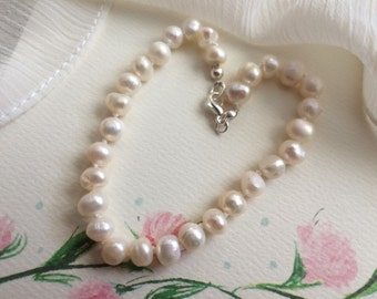 Bridal Jewelry / Wedding Jewelry / Something New / Knotted 6mm Pearl Bracelet with Sterling Silver Clasp