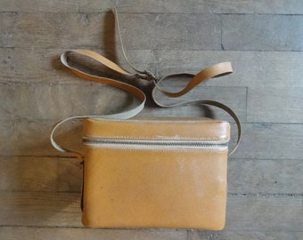 Vintage English Man-Made Materials Brown Camera Case Carry Holdall Carrier Case circa 1970's / English Shop