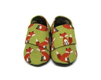 Soft Sole Baby Shoes, Fox Baby Shoes, Baby Booties, Crib Shoes, Infant Slippers, Baby Shoes, Fabric Baby Shoes, Baby Moccasins, 0-6M