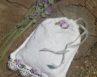 Homegrown Organic Lavender Sachet/Shabby Chic/Cottage Chic/Aromatherapy/Hostess Gift/Scented Sachet