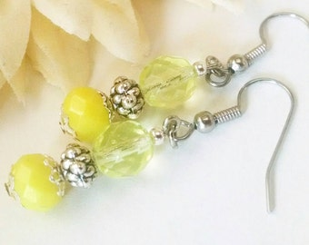 Lemon Yellow Earrings, Bridesmaids Earrings Gift, Bridal Earrings, Flower Girl Jewelry, Beaded Earrings, Pale Yellow Czech Glass Earrings