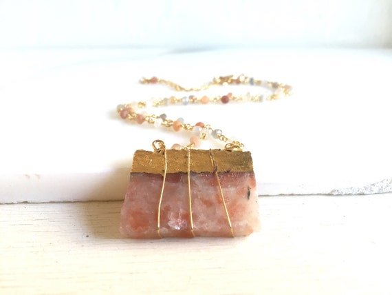 Colorful Peach Gemstone Necklace with Peach Moonstone Gemstone Beads.  Geode Necklace. Quartz Jewelry. Stone Necklace. Statement Necklace.