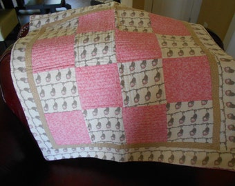 baby quilt, 30 x30 baby quilt, girl baby quilt, quilt, pink and off white, baby