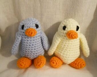 Cute Birdies, blue or yellow, crochet