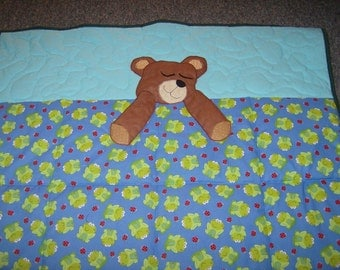 Sleepy Teddy Bear Baby Quilt with frogs and ladybugs